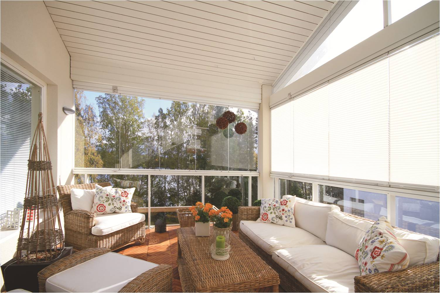 Balcony enclosures natural light patio covers natural for Balcony surrounds